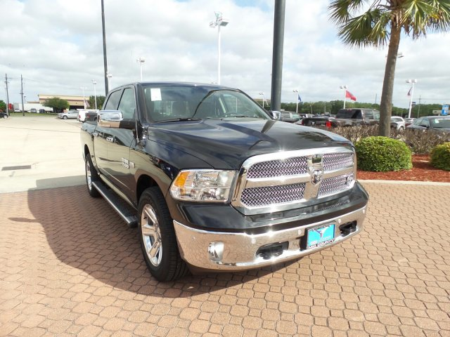 2018 Ram 1500 Crew Cab, Pickup #JS266213 - photo 1