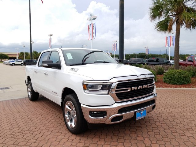 2019 Ram 1500 Crew Cab 4x2,  Pickup #KN508811 - photo 1