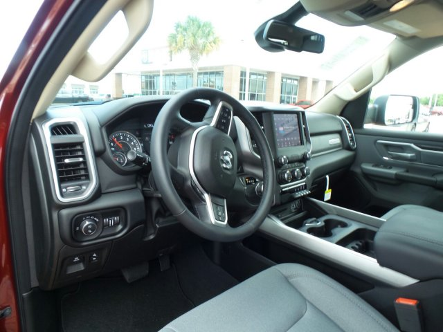 2019 Ram 1500 Crew Cab,  Pickup #KN514388 - photo 1