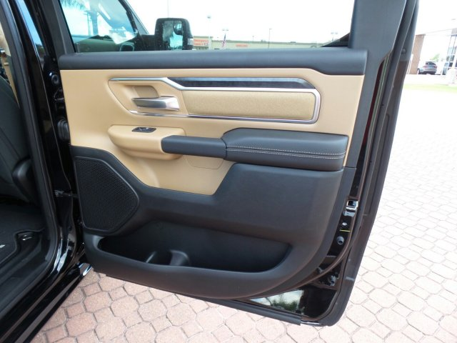 2019 Ram 1500 Crew Cab 4x2,  Pickup #KN519273 - photo 18
