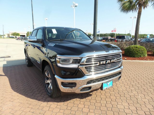 2019 Ram 1500 Crew Cab 4x2,  Pickup #KN522725 - photo 1