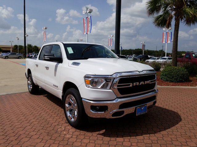 2019 Ram 1500 Crew Cab 4x2,  Pickup #KN596762 - photo 1