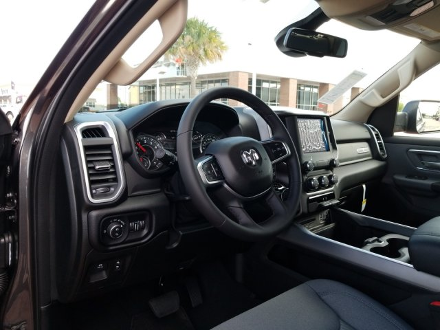 2019 Ram 1500 Crew Cab 4x2,  Pickup #KN596764 - photo 11