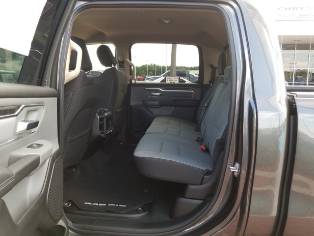 2019 Ram 1500 Crew Cab 4x2,  Pickup #KN596764 - photo 13