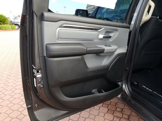 2019 Ram 1500 Crew Cab 4x2,  Pickup #KN596764 - photo 15