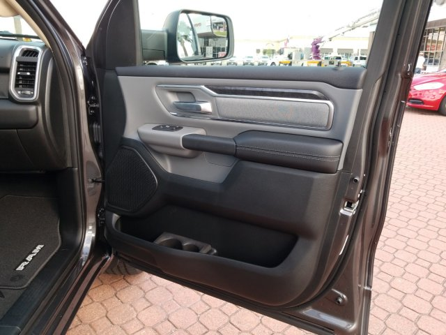2019 Ram 1500 Crew Cab 4x2,  Pickup #KN596764 - photo 21