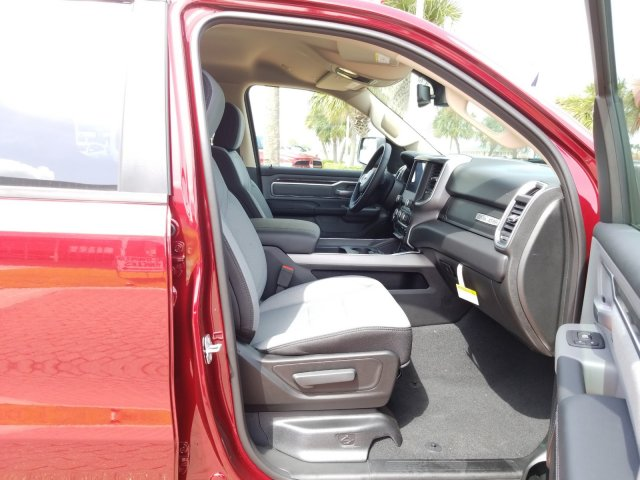 2019 Ram 1500 Crew Cab 4x4,  Pickup #KN600249 - photo 19