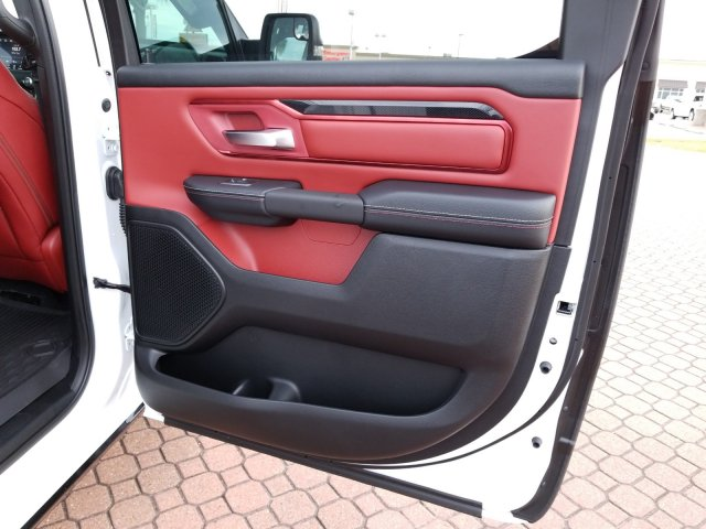 2019 Ram 1500 Crew Cab 4x4,  Pickup #KN602831 - photo 18