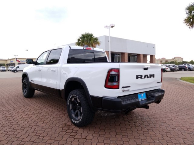 2019 Ram 1500 Crew Cab 4x4,  Pickup #KN602831 - photo 4