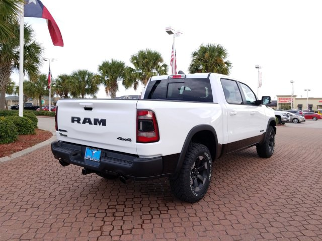 2019 Ram 1500 Crew Cab 4x4,  Pickup #KN602831 - photo 2