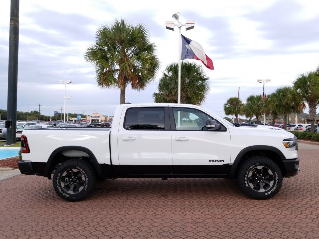 2019 Ram 1500 Crew Cab 4x4,  Pickup #KN602831 - photo 6