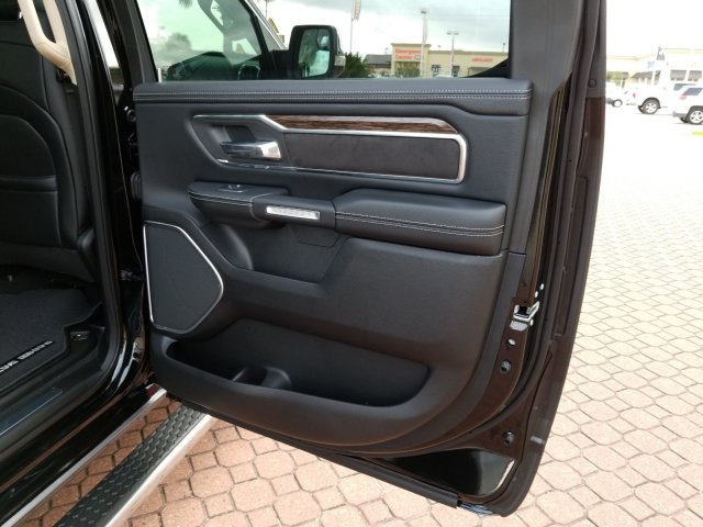 2019 Ram 1500 Crew Cab 4x2,  Pickup #KN655646 - photo 18