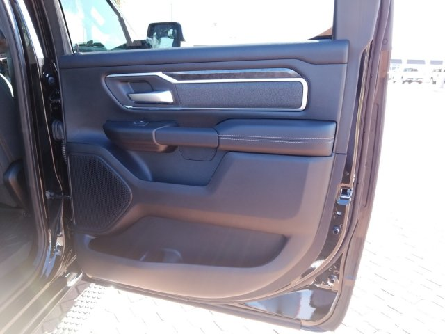 2019 Ram 1500 Crew Cab 4x4,  Pickup #KN687798 - photo 18