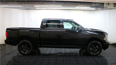 2018 Ram 1500 Crew Cab 4x4, Pickup #D7082 - photo 3