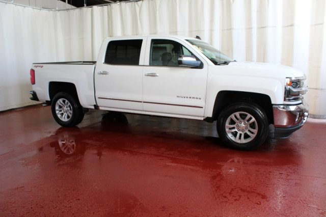 2017 Silverado 1500 Crew Cab 4x4 Pickup #M25721 - photo 3