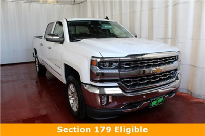 2017 Silverado 1500 Crew Cab 4x4 Pickup #M25721 - photo 1