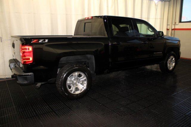 2018 Silverado 1500 Crew Cab 4x4 Pickup #M26397 - photo 2