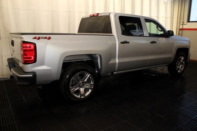 2018 Silverado 1500 Crew Cab 4x4 Pickup #M26398 - photo 2