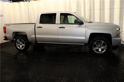 2018 Silverado 1500 Crew Cab 4x4 Pickup #M26398 - photo 3