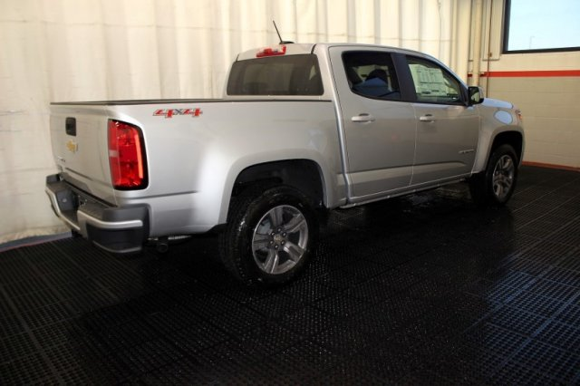 2018 Colorado Crew Cab 4x4 Pickup #M26417 - photo 2