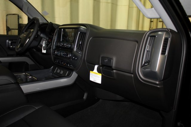 2018 Silverado 2500 Crew Cab 4x4 Pickup #M26461 - photo 11