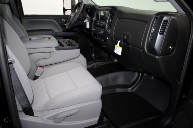 2018 Silverado 3500 Regular Cab DRW 4x4,  Cab Chassis #M27316 - photo 10