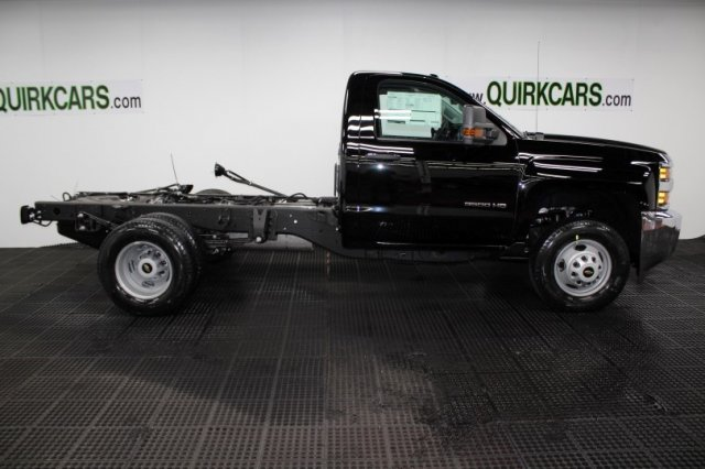 2018 Silverado 3500 Regular Cab DRW 4x4,  Cab Chassis #M27316 - photo 3