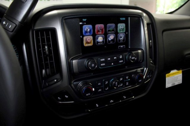 2018 Silverado 1500 Crew Cab 4x4,  Pickup #M27731 - photo 8