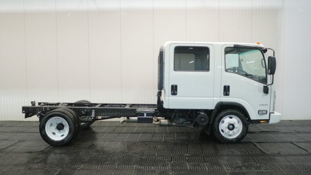 2018 LCF 4500 Crew Cab 4x2,  Cab Chassis #C61284 - photo 3