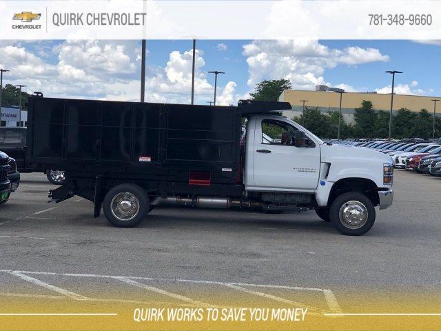 2019 Silverado 5500 Regular Cab DRW 4x4, Reading Landscaper SL Landscape Dump #C66270 - photo 2