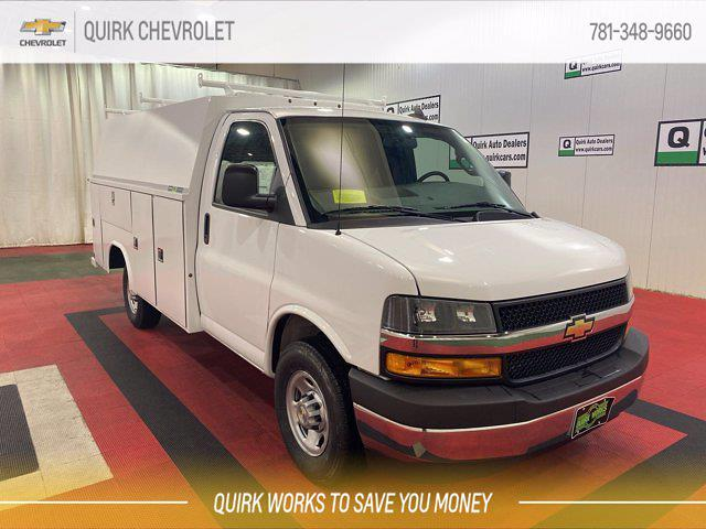 2021 Chevrolet Express 3500 4x2, Reading Service Utility Van #C71435 - photo 1