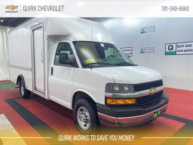 2021 Chevrolet Express 3500 4x2, Rockport Cutaway Van #C71756 - photo 1