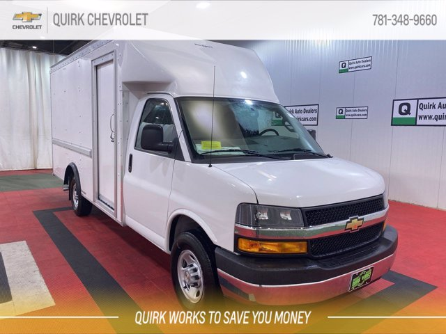 2021 Chevrolet Express 3500 4x2, Rockport Cutaway Van #C71793 - photo 1