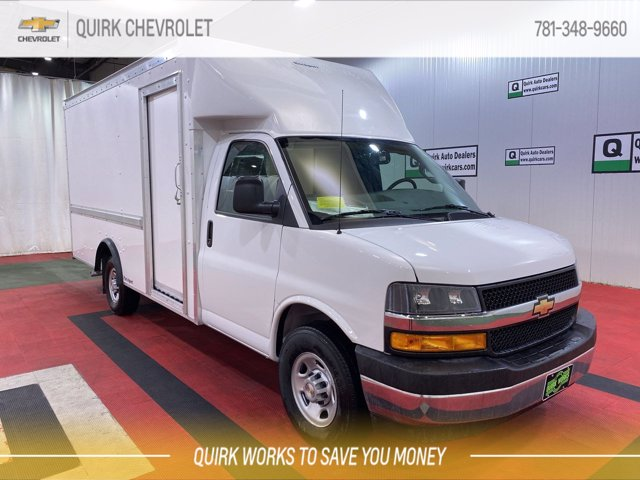 2021 Chevrolet Express 3500 4x2, Rockport Cutaway Van #C71794 - photo 1