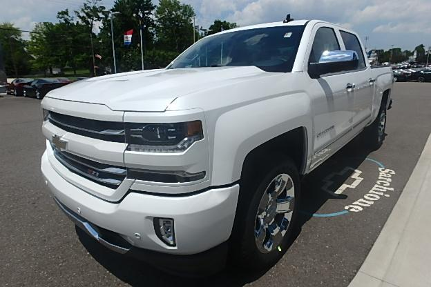 2017 Silverado 1500 Crew Cab 4x4 Pickup #12611 - photo 12