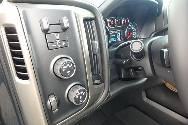 2017 Silverado 1500 Crew Cab 4x4 Pickup #12710 - photo 21