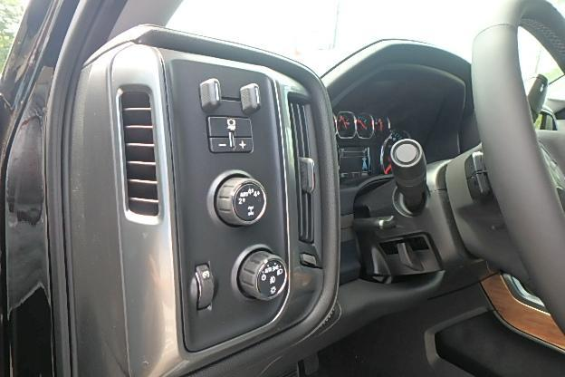 2017 Silverado 1500 Crew Cab 4x4 Pickup #13063 - photo 19
