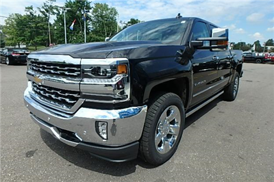 2017 Silverado 1500 Crew Cab 4x4 Pickup #13063 - photo 10