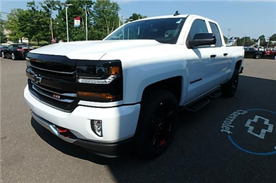2018 Silverado 1500 Extended Cab 4x4 Pickup #13080 - photo 9