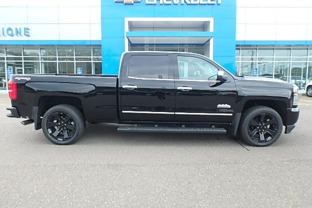 2017 Silverado 1500 Crew Cab 4x4 Pickup #13100 - photo 3