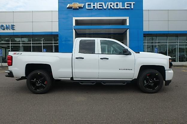 2018 Silverado 1500 Double Cab 4x4,  Pickup #13196 - photo 3