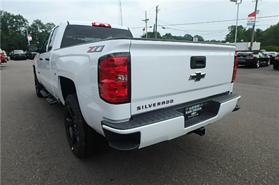2018 Silverado 1500 Extended Cab 4x4 Pickup #13196 - photo 2