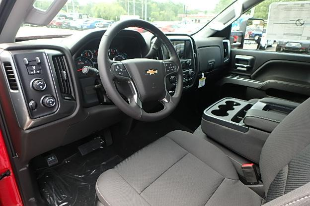 2018 Silverado 2500 Crew Cab 4x4 Pickup #13298 - photo 16