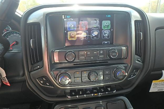 2018 Silverado 3500 Crew Cab 4x4 Pickup #13619 - photo 23