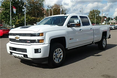 2018 Silverado 3500 Crew Cab 4x4 Pickup #13619 - photo 12