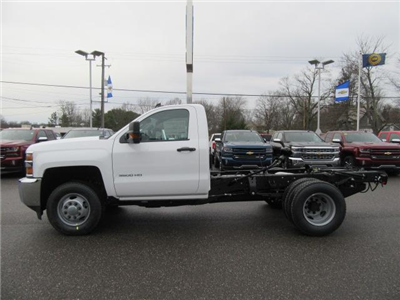 2018 Silverado 3500 Regular Cab DRW 4x4, Cab Chassis #13991 - photo 7