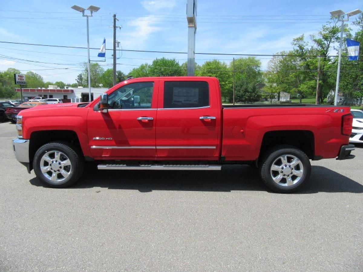 2018 Silverado 2500 Crew Cab 4x4,  Pickup #14924 - photo 13