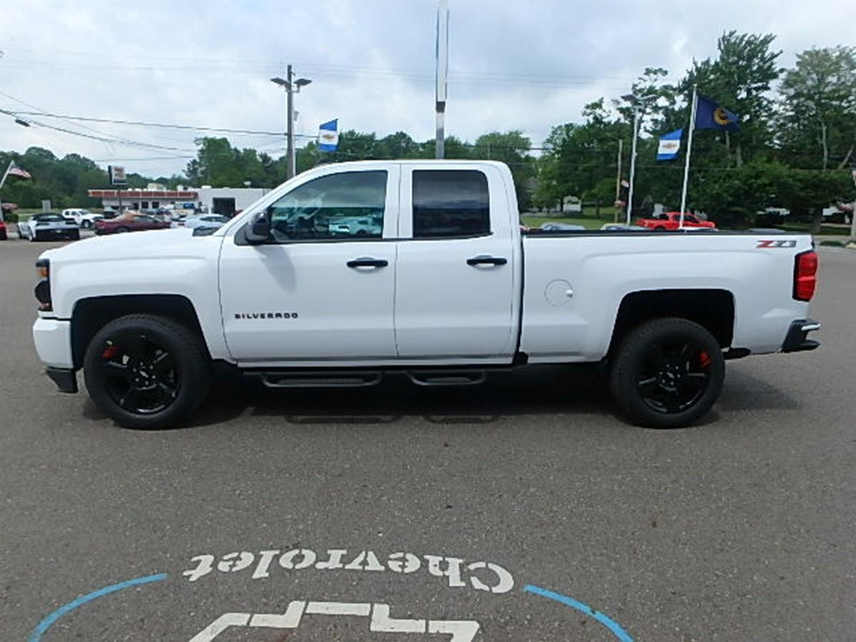 2018 Silverado 1500 Double Cab 4x4,  Pickup #15378 - photo 10