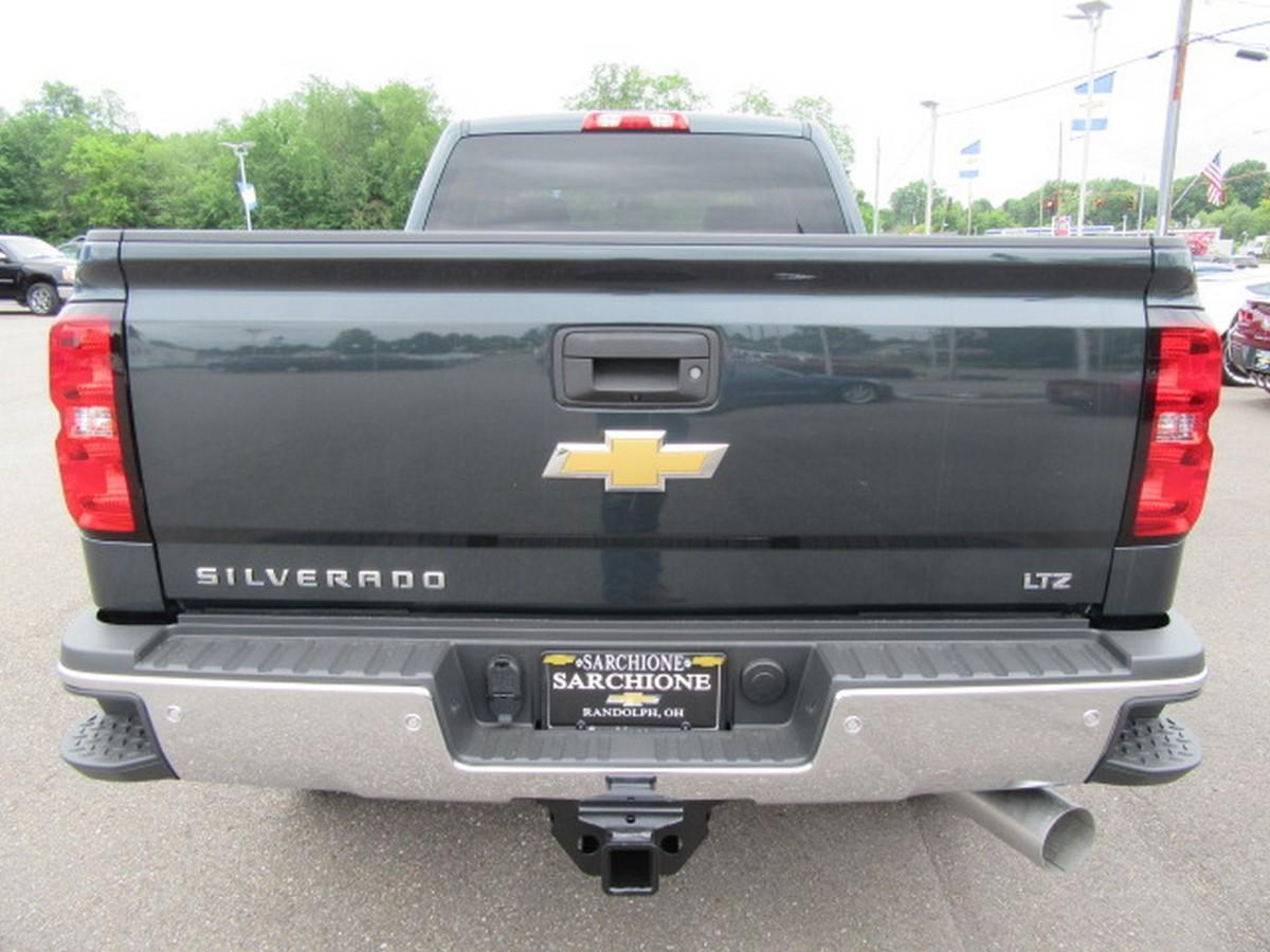 2018 Silverado 2500 Crew Cab 4x4,  Pickup #15493 - photo 14