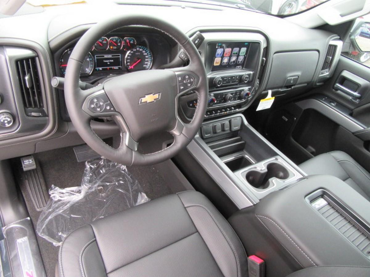 2018 Silverado 2500 Crew Cab 4x4,  Pickup #15493 - photo 19
